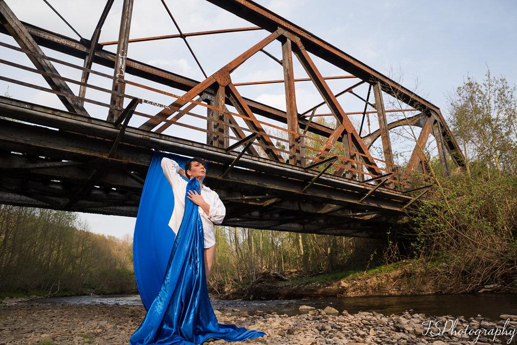 MoR - Under the Bridge